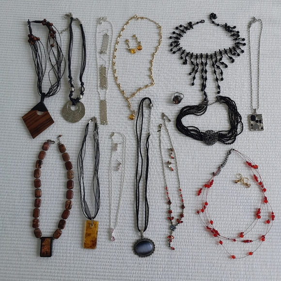 Jewelry Lot 13 Necklaces Costume Sets Earrings